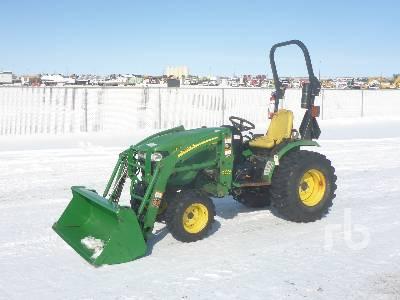 JOHN DEERE 2520 MFWD Utility Tractor