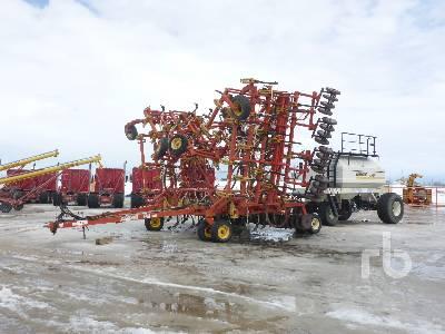 1998 BOURGAULT 5710 60 Ft Air Drill