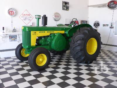 1959 JOHN DEERE 830 Restored 2WD Antique Tractor
