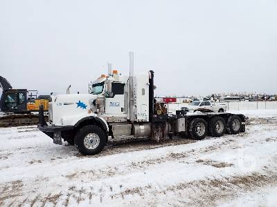 2013 KENWORTH C500 Texas Bed Tri Drive Sleeper Winch Tractor