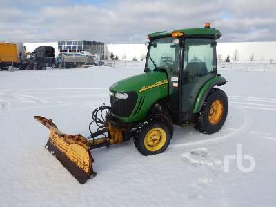 JOHN DEERE 3520 MFWD Utility Tractor