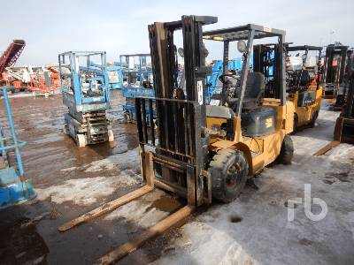 2000 CATERPILLAR GP25 8580 Lb Forklift