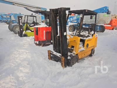 CLARK CCS20MB 3300 Lb Forklift