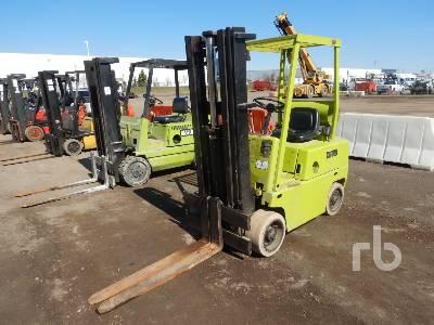 1982 CLARK C500 40 2000 Lb Forklift