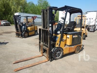 CATERPILLAR E5000 4450 Lb Electric Forklift