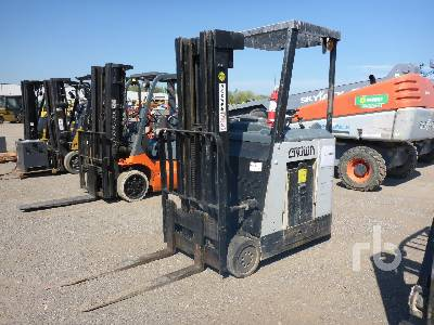 CROWN RC3020-30-8 2750 Lb Electric Forklift