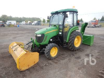 JOHN DEERE 4720 MFWD Utility Tractor
