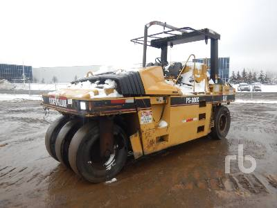 2004 CATERPILLAR PS300B 7 Wheel Pneumatic Roller