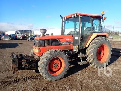 KUBOTA M110DT MFWD Tractor