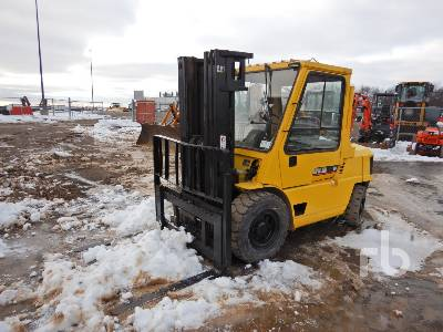 1999 CATERPILLAR GPL40 9000 Lb Forklift