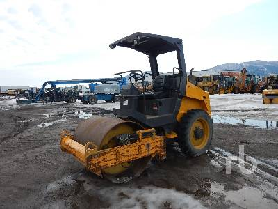 2005 BOMAG BW124DH-3 Vibratory Roller