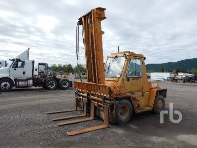 CATERPILLAR V130 Forklift