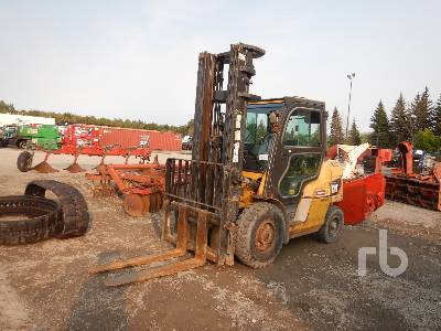 2011 CATERPILLAR P8000 6500 Lb Forklift