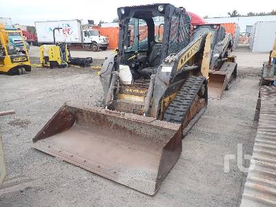 2011 NEW HOLLAND C227 Multi Terrain Loader