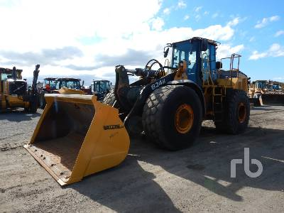 2010 JOHN DEERE 824K Wheel Loader