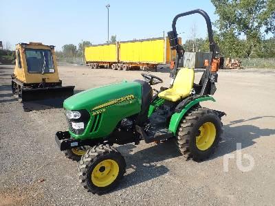 2014 JOHN DEERE 2025R MFWD Utility Tractor
