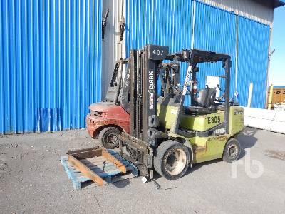 1996 CLARK CGP30 5500 Lb Forklift