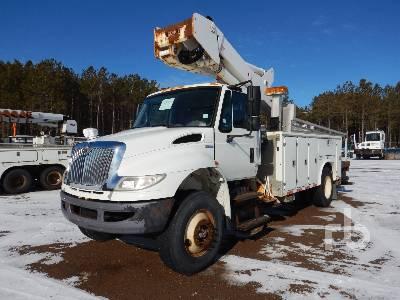 2009 INTERNATIONAL 4400 S/A w/Versalift VST5000I-02 Bucket Truck