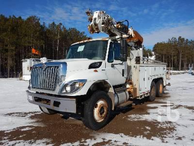 2010 INTERNATIONAL 7400 T/A w/Altec DM47B Digger Derrick Truck