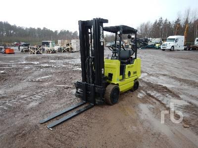 CLARK GCS25 8745 Lb Forklift