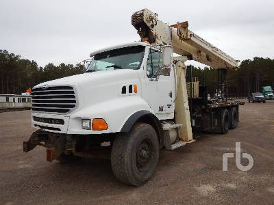 2005 STERLING LT9513 T/A w/National 990A Boom Truck