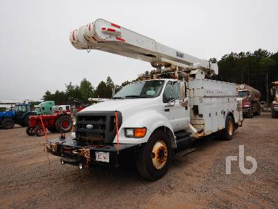 2009 FORD F-750 S/A Bucket Truck