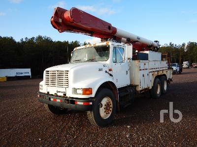 2002 INTERNATIONAL F4900 T/A w/Altec AM855 Bucket Truck