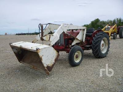 1967 INTERNATIONAL 434 2WD Antique Tractor