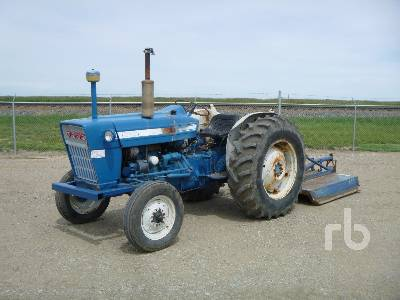FORD 3000 2WD Antique Tractor
