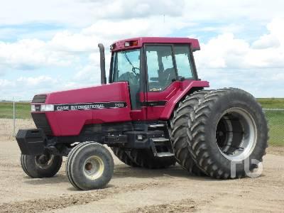 1992 CASE IH 7130 Magnum 2WD Tractor