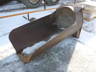 CUSTOMBUILT Q/C 5 ft 5 in Sand Scoop Wheel Loader Bucket