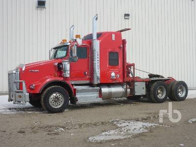 2011 KENWORTH T800 Winch Tractor