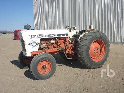 CASE 990 2WD Antique Tractor