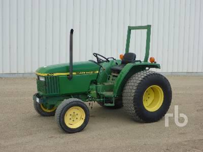 JOHN DEERE 970 Utility Tractor