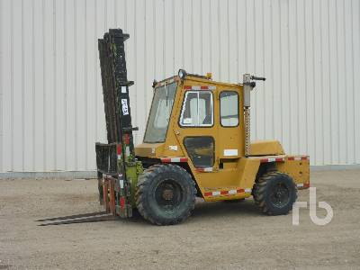 CLARK IT80 8000 Lb Rough Terrain Forklift