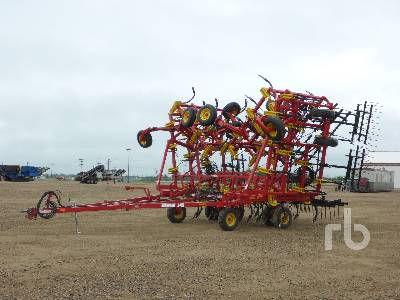 2016 BOURGAULT 9400 60 Ft Cultivator