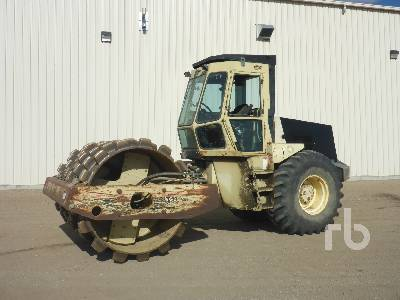 1995 INGERSOLL-RAND SD115F Vibratory Padfoot Compactor