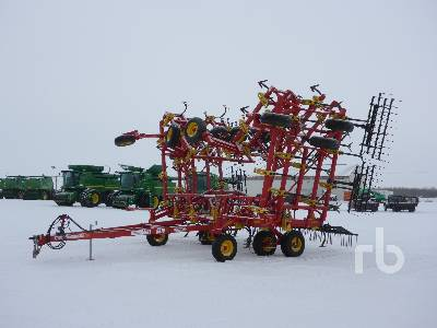 2012 BOURGAULT 8910 54 Ft Cultivator