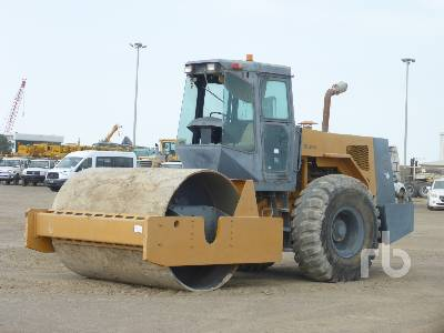 2009 XCMG Smooth Drum Vibratory Roller
