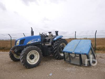 2004 NEW HOLLAND TS115A MFWD Tractor