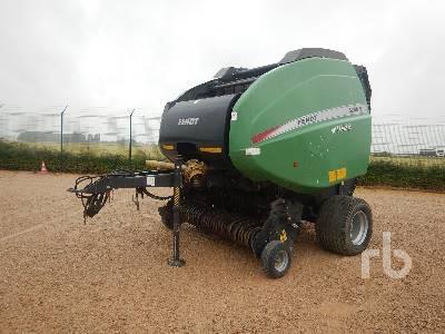 2012 FENDT 5200V Round Baler