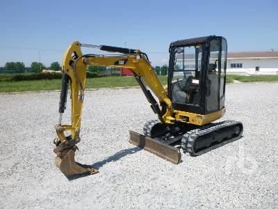 2015 CATERPILLAR 302.7DCR Mini Excavator (1 - 4.9 Tons)
