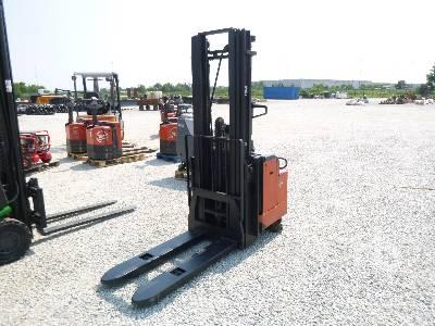 2001 BT LSF 1250/11 Electric Forklift