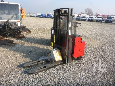 2002 BT LSV1600/2 Electric Pallet Jack