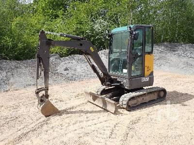 2013 VOLVO ECR25D Reduced Tail Swing BIO Oil Mini Excavator (1 - 4.9 Tons)