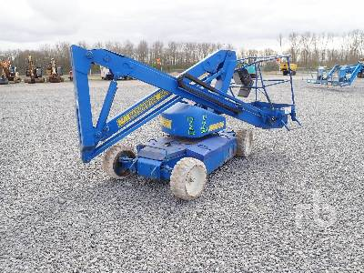 UPRIGHT AB30 Articulated Boom Lift