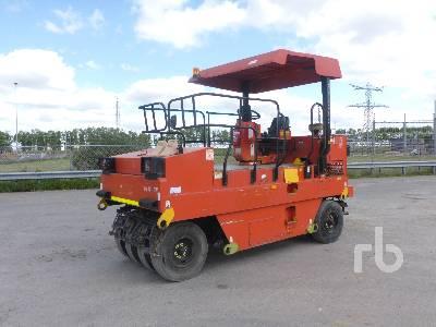 INGERSOLL-RAND PT125R 9 Wheel Pneumatic Roller