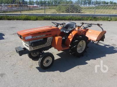 KUBOTA B1200 2WD Utility Tractor