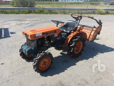 KUBOTA B6000 4WD Utility Tractor