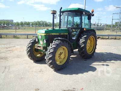 JOHN DEERE 2650 4WD Agricultural Tractor 4WD Tractor